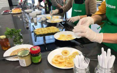 Taller Nutricion Supermercados Mas y Mas Sonia Oceransky cocinando